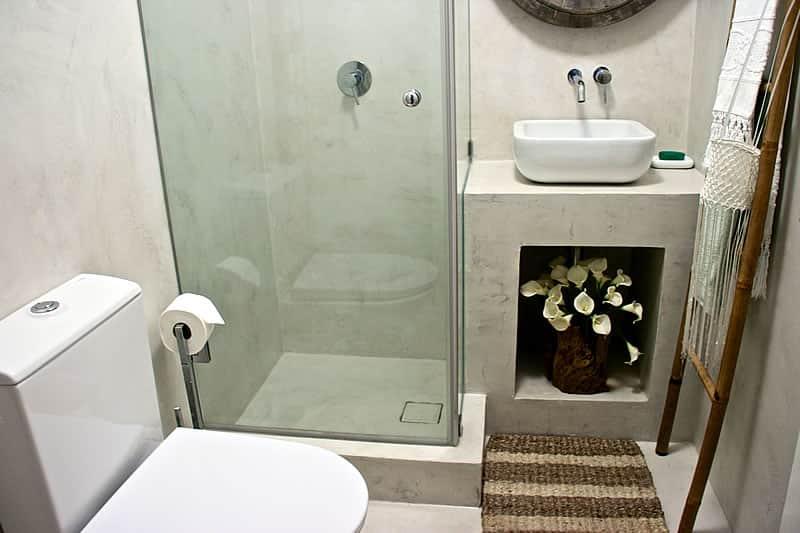 Casas de banho em microcimento, moradia em Vilamoura #12