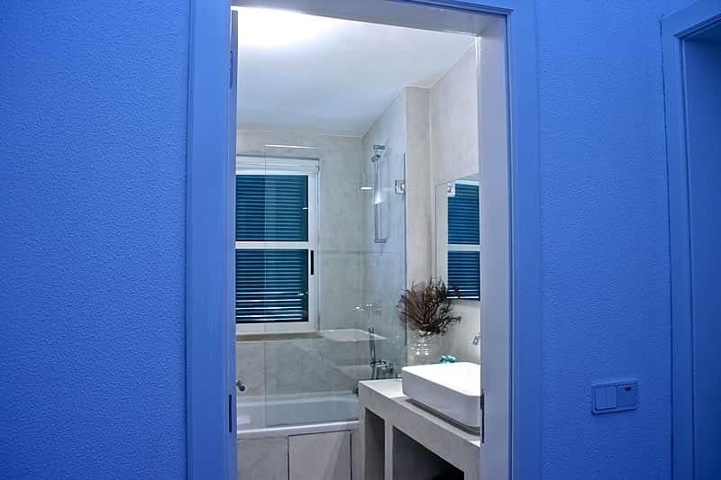 Casas de banho em microcimento, moradia em Vilamoura #5